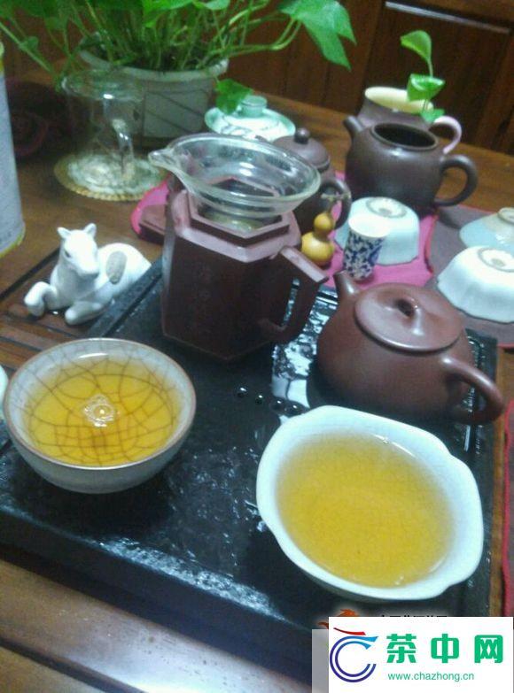 【图阅】2006年中茶纪念砖开汤