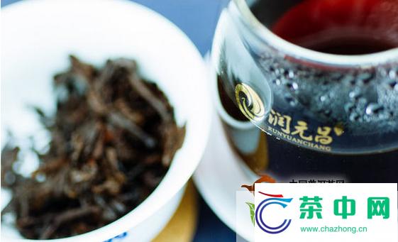 润元昌2012年岁月金韵熟茶开汤品鉴