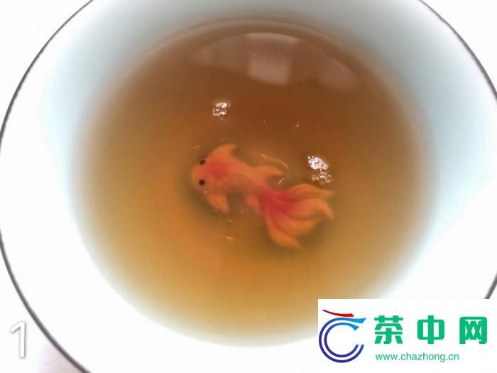 2003年大益班章沱开汤品鉴