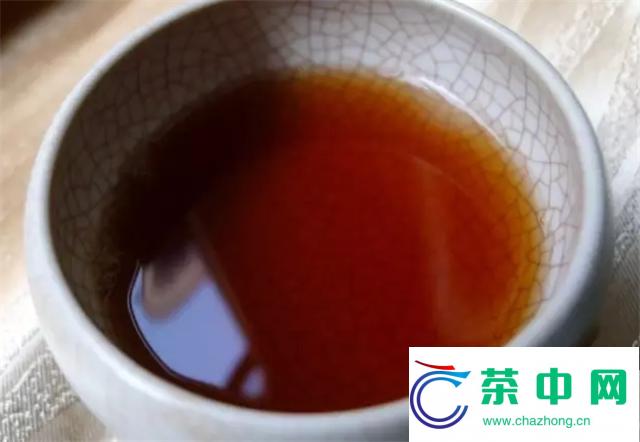 2012年大益7552熟茶开汤