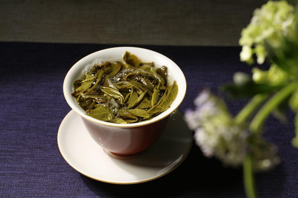 茶湯滋味是茶葉所含各種呈味物質的綜合反映