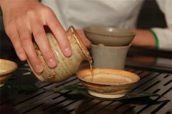 2007年普洱茶的暴跌洗劫了多少茶商