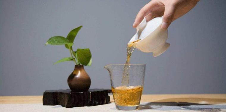 制茶工程師陳財:普洱茶傳統制作技藝要不斷繼承與保護